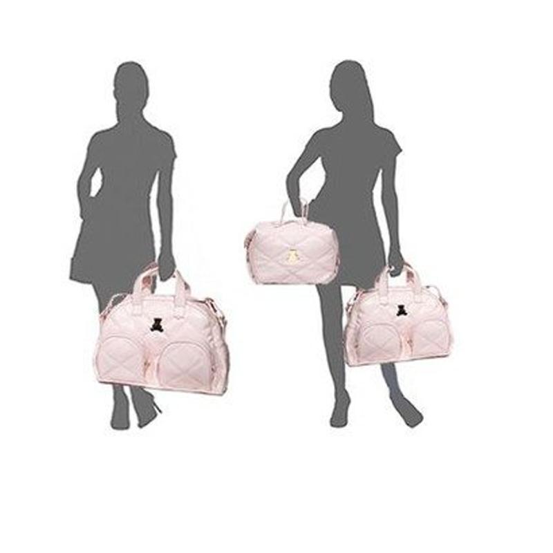 Silhuetas segurando as bolsas do kit maternidade rosa
